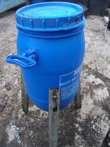 20 Kilo drum feeder for poultry